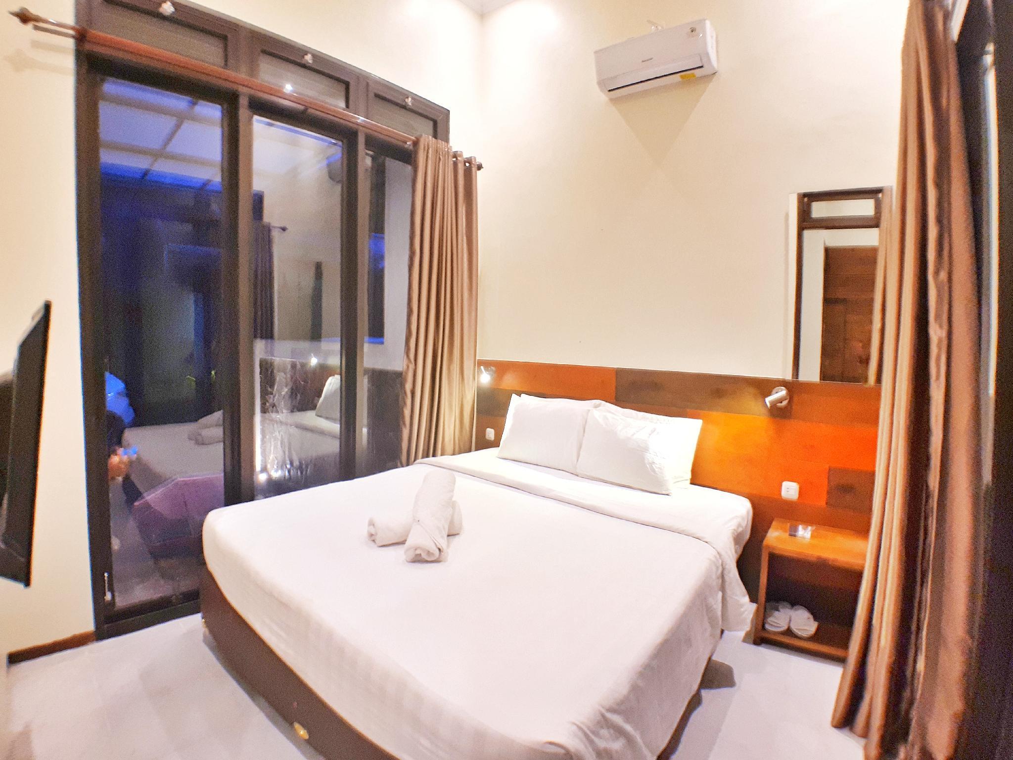 Premium Villa Batu 2 Bedroom Panderman Garden C5