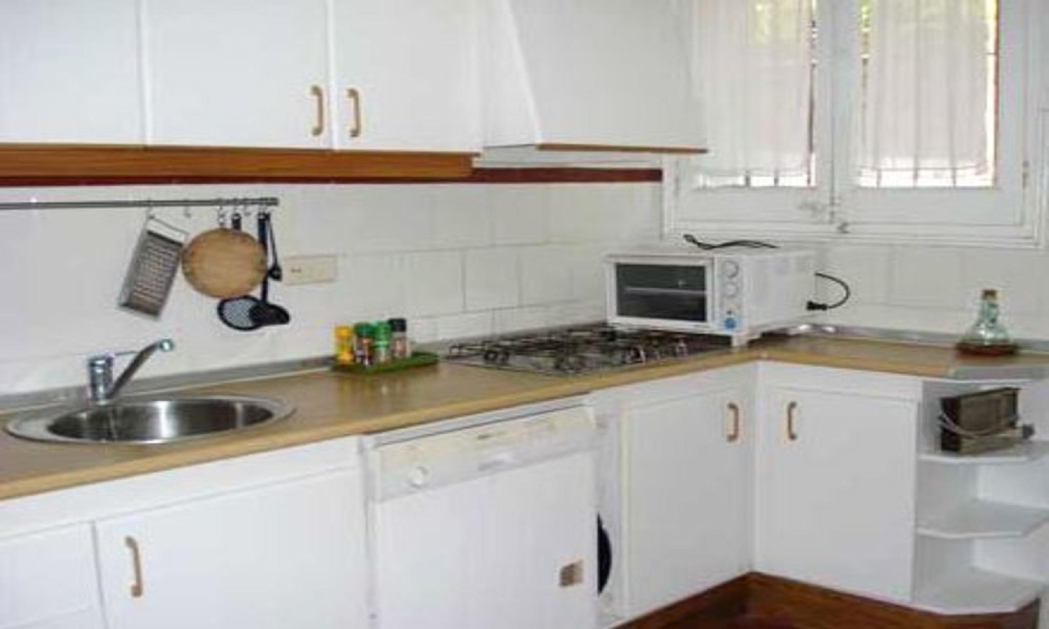 104750   House In Llafranc