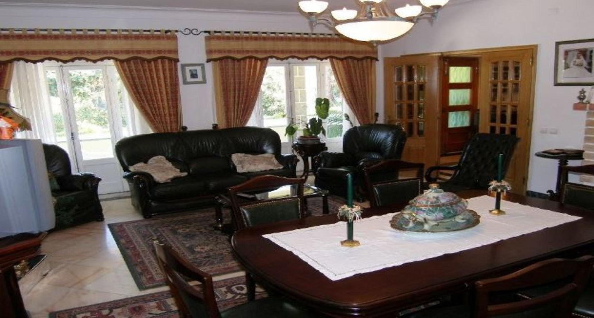 104200   Villa In Sintra