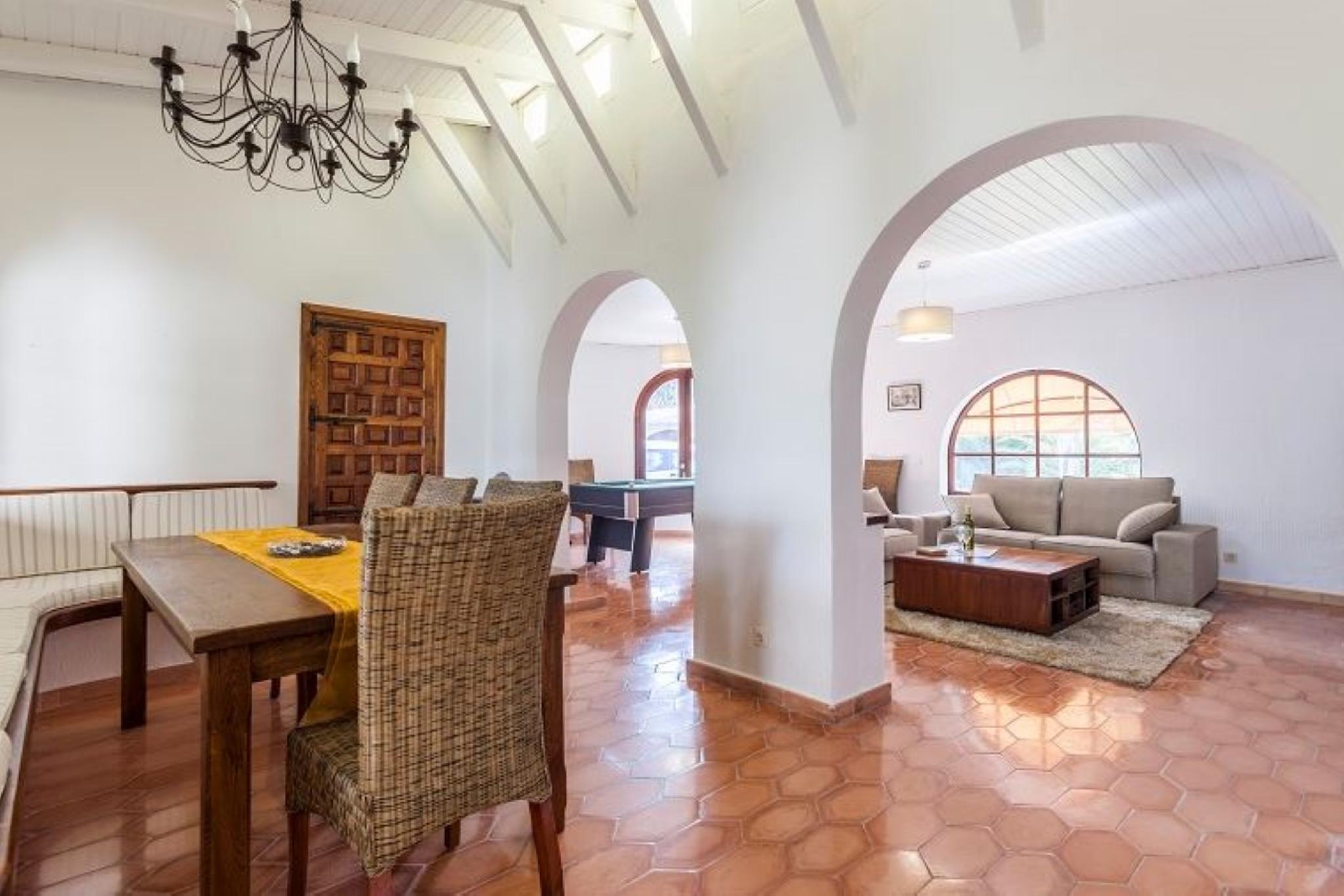 105850   Villa In Pollen�a