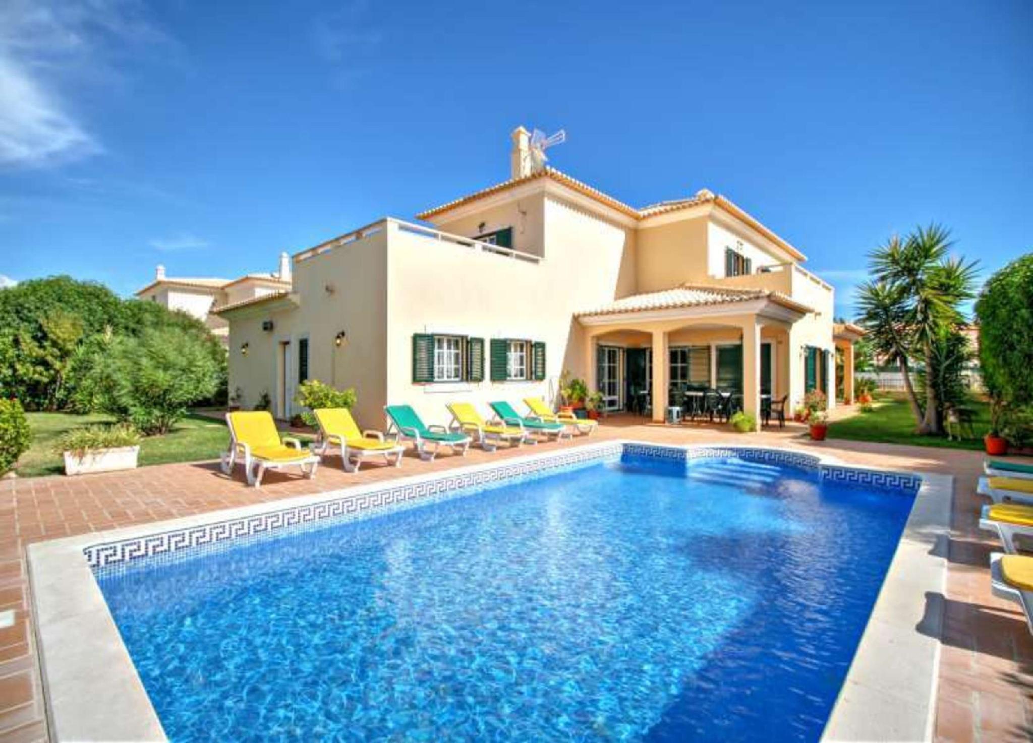 102413   Villa In Albufeira