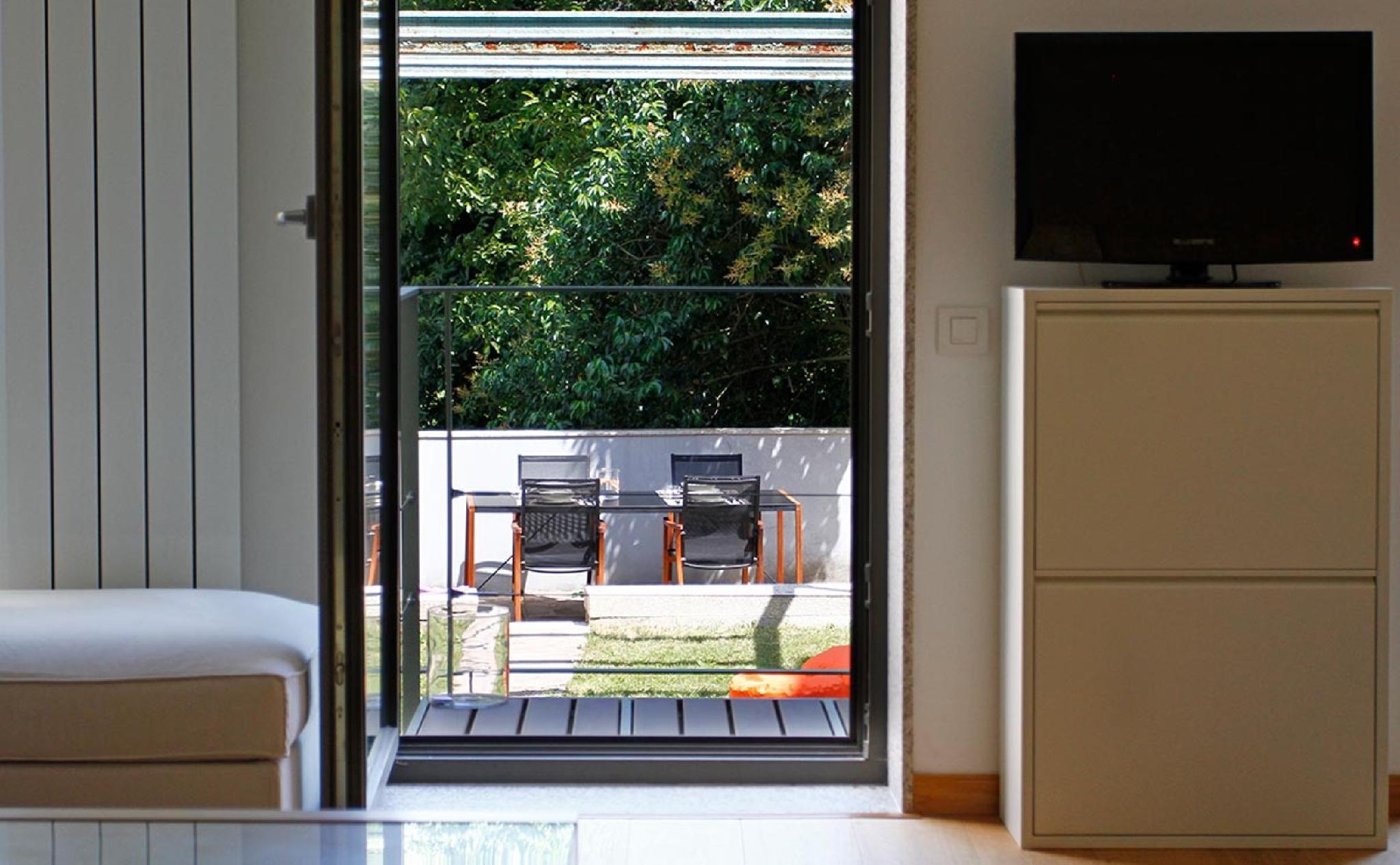 102012   Apartment In Santiago De Compostela