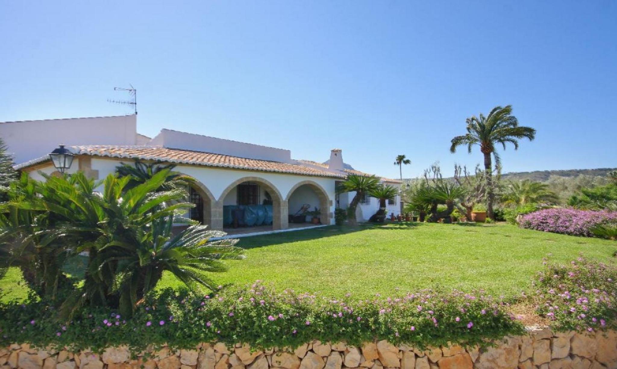 104880   Villa In X�bia