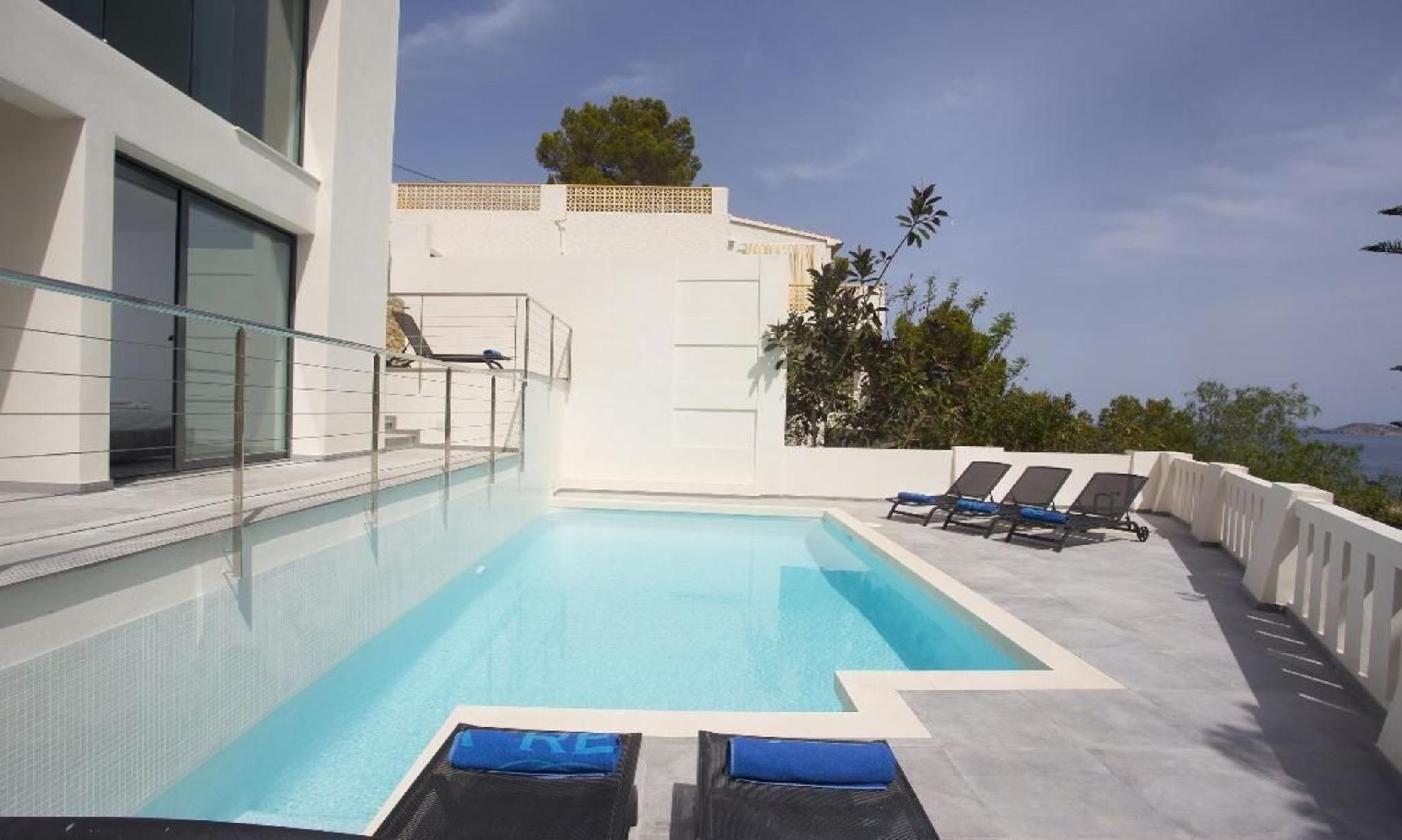 104875   Villa In X�bia