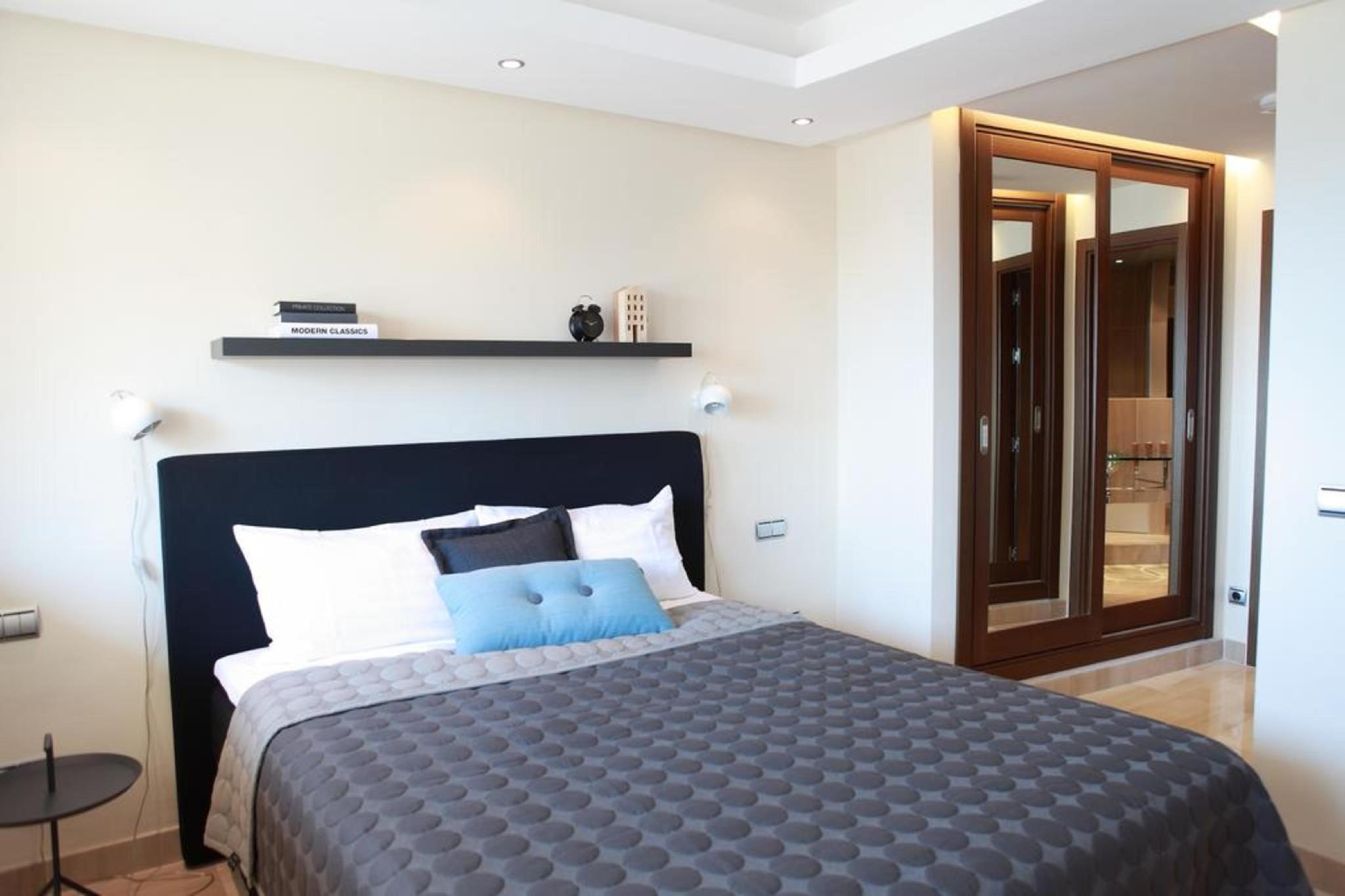 107051   Apartment In Estepona