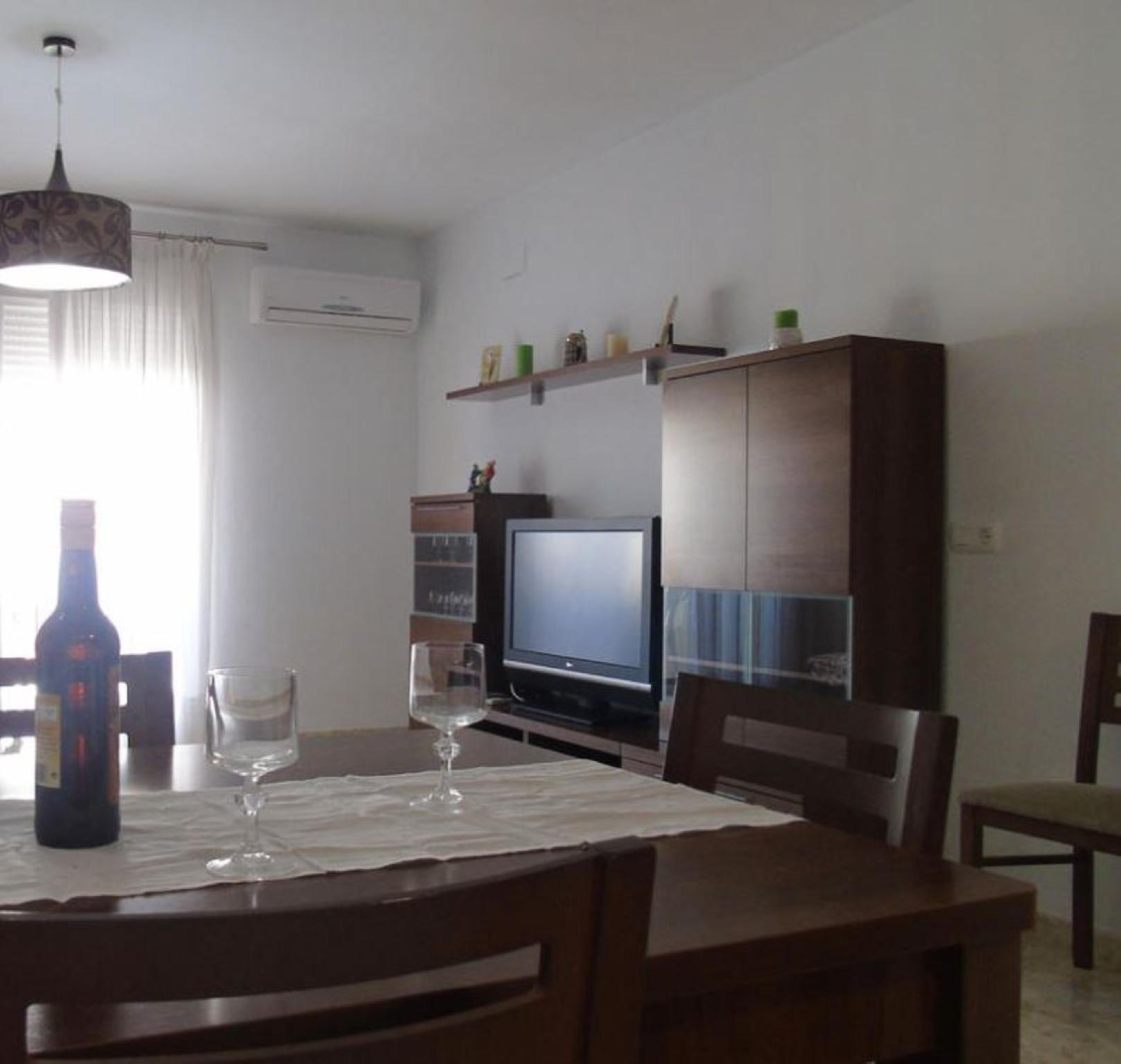 106991   Apartment In Torre Del Mar