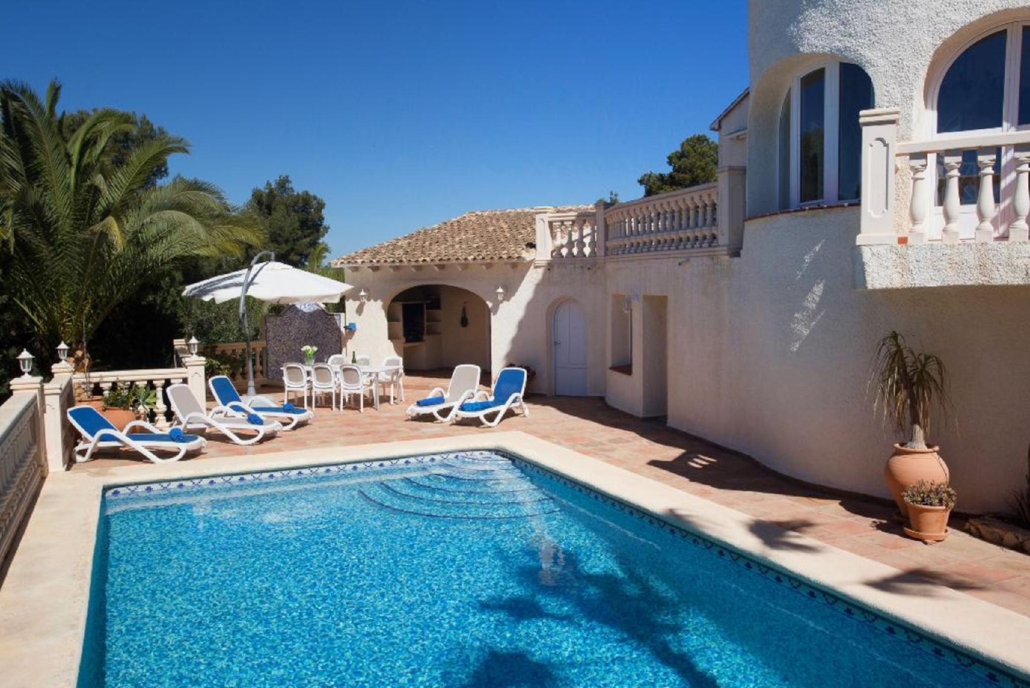 104935   Villa In X�bia