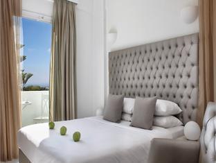 Daedalus Hotel
