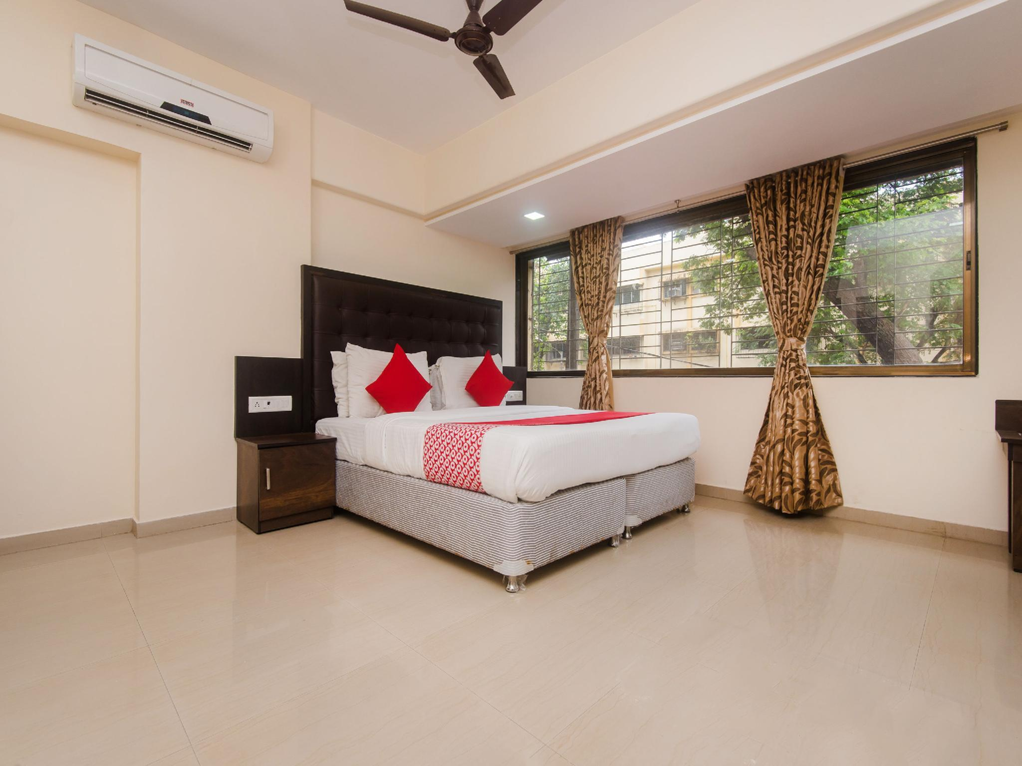 OYO 16958 Hotel Aviva Suites