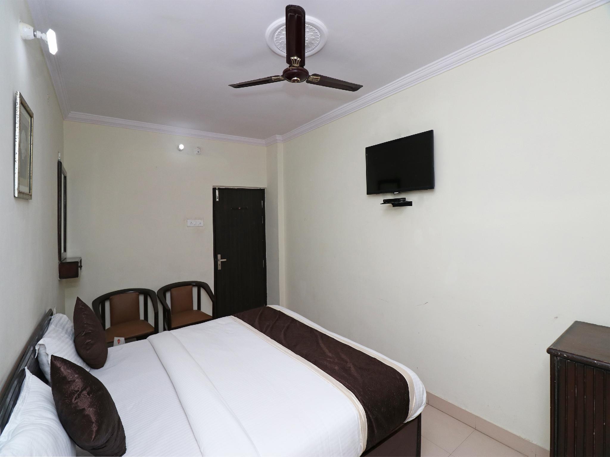 OYO 23009 Hotel Maxx