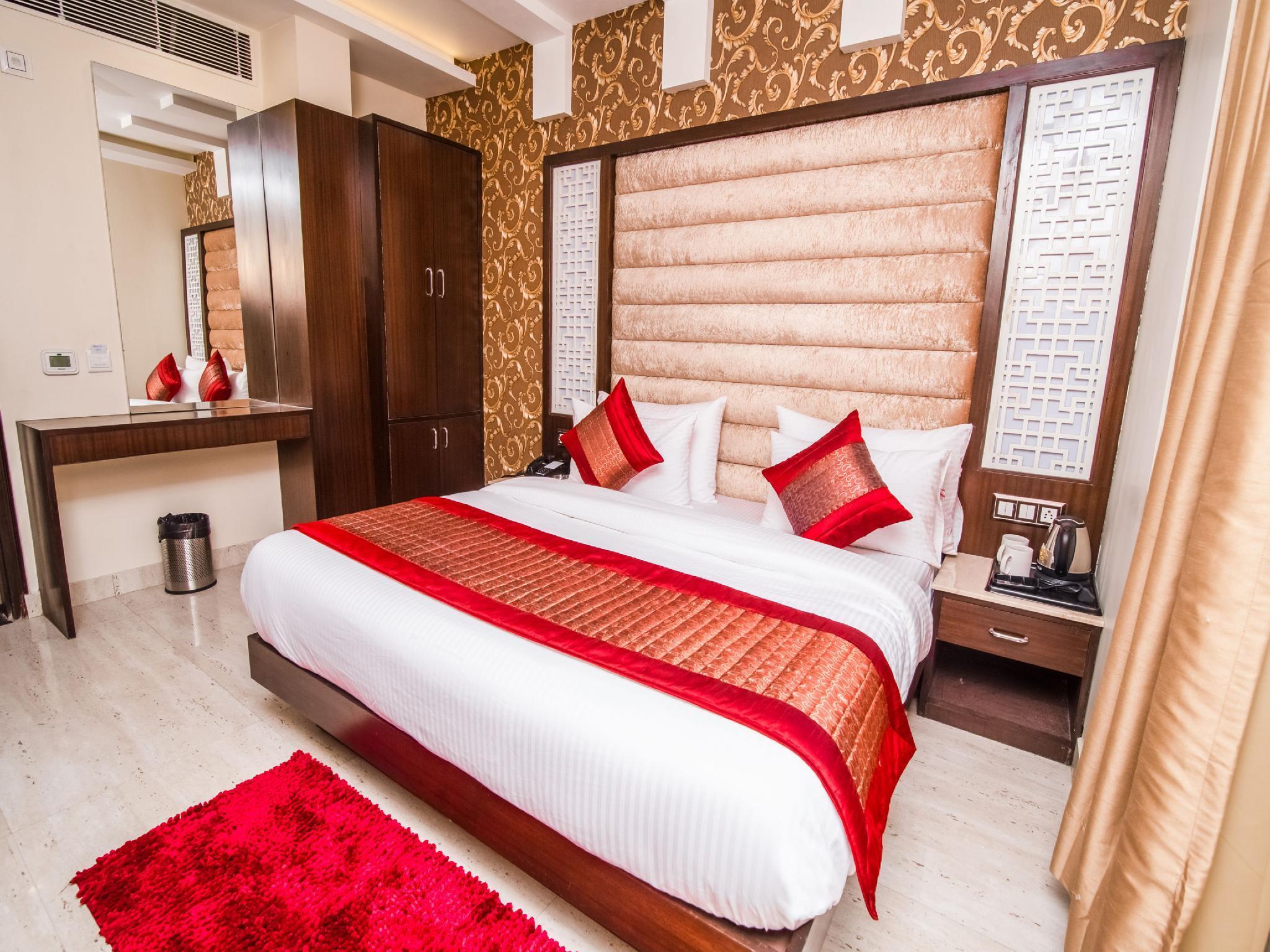 Capital O 14831 Hotel Mannat