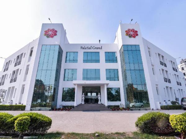 Capital O 24273 Palatial Grand New Delhi and NCR