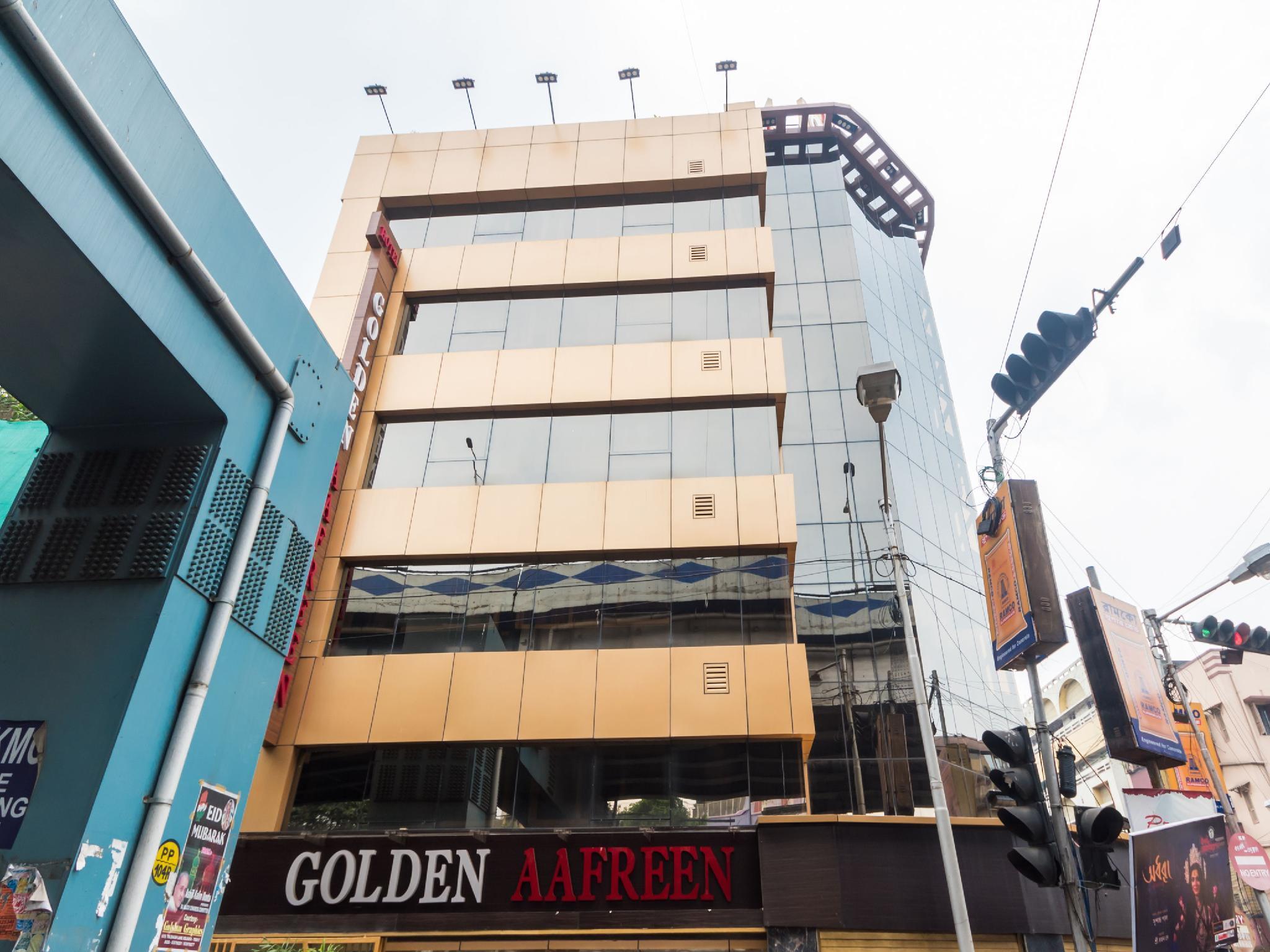 Capital O 9390 Golden Afreen