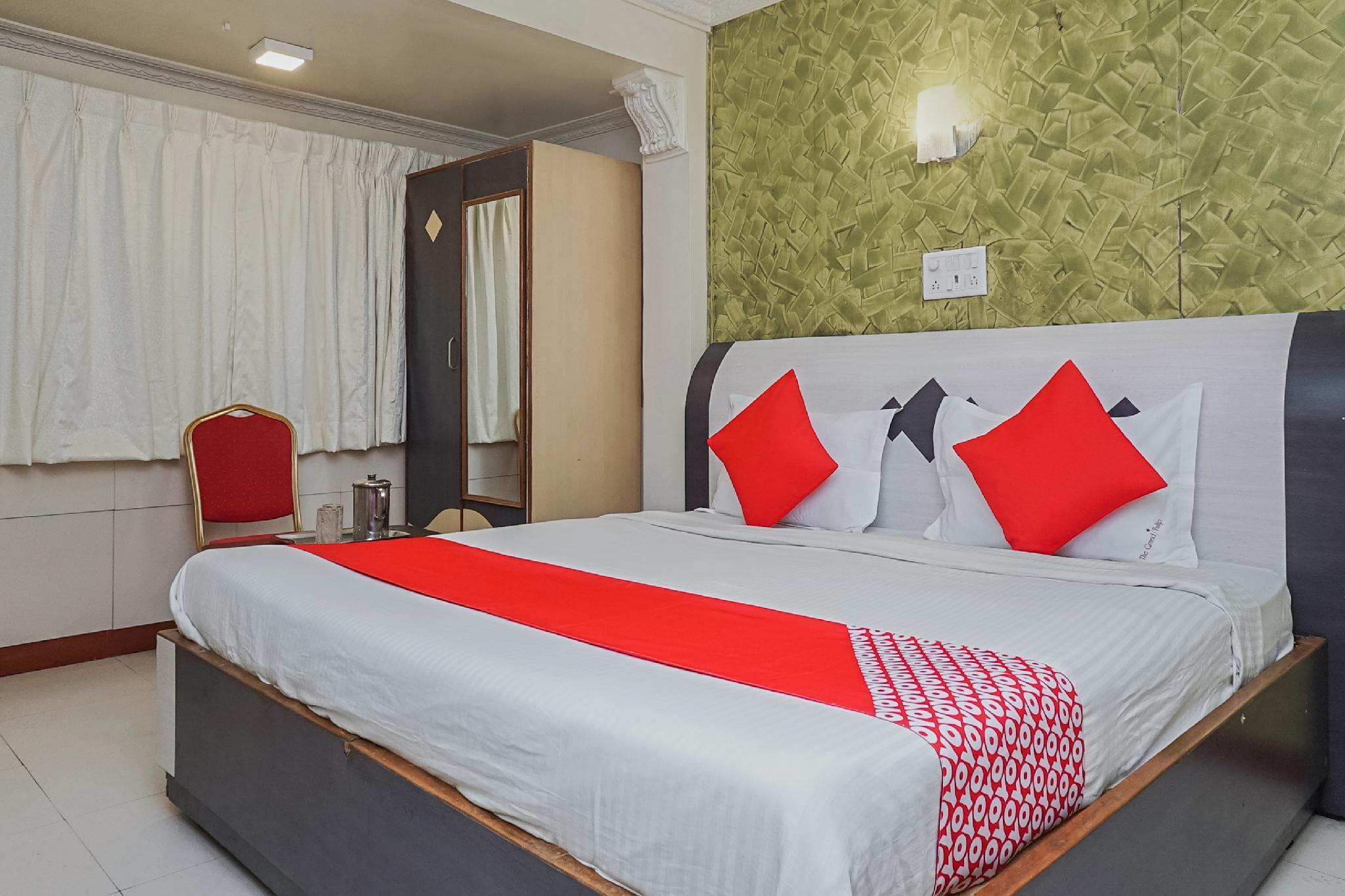 OYO 23711 Hotel Tushar