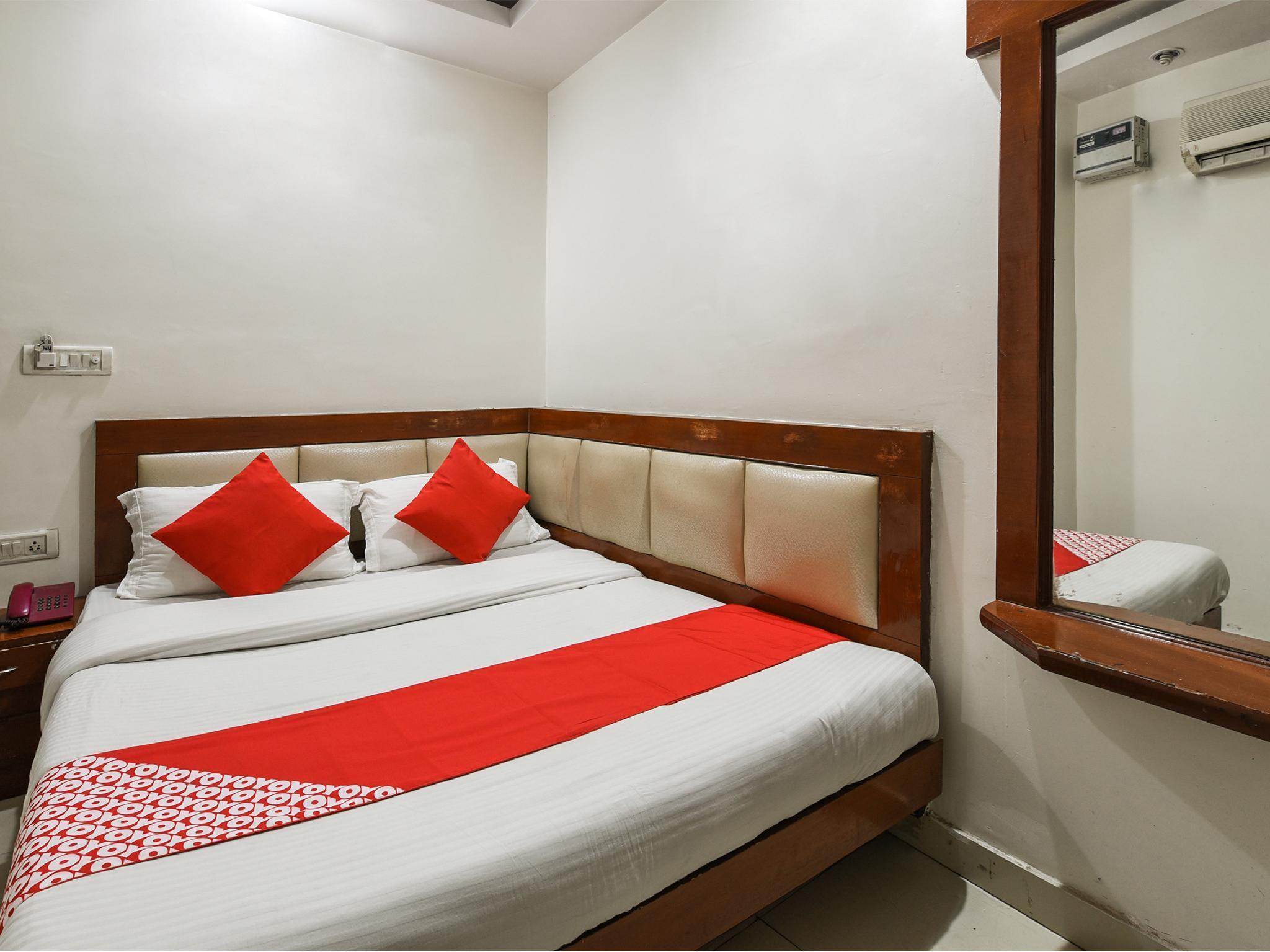 OYO 6168 Hotel Ashirwad