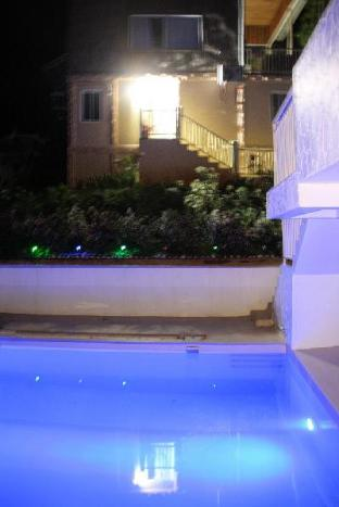 picture 5 of Studio with swimming pool near Waterfall-2