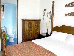 Puri Puri Kecil Seminyak Hotel
