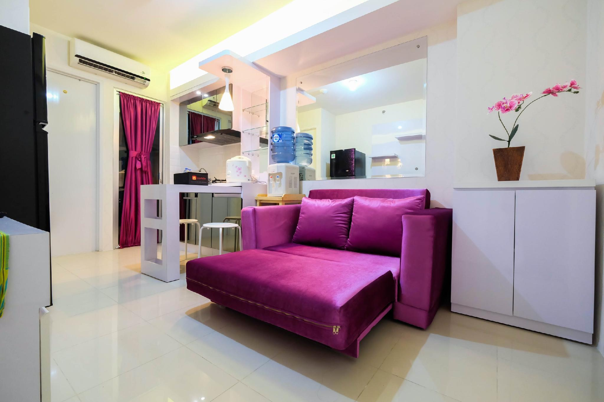 Comfy 2BR Bassura City Apt Near Mall By Travelio