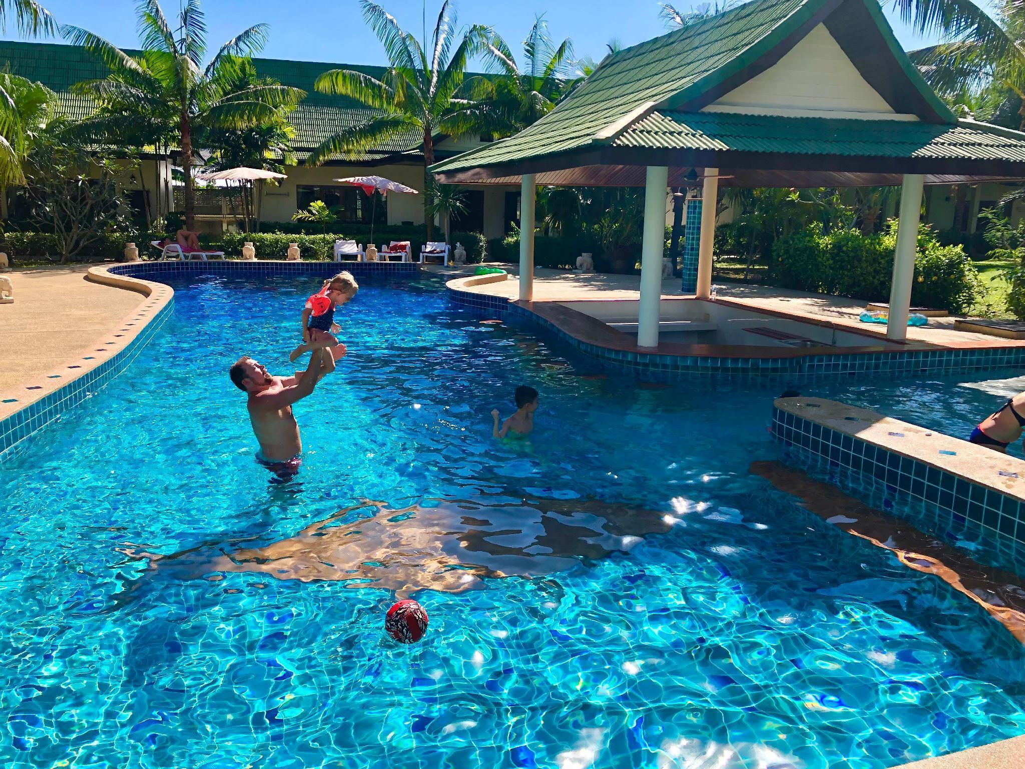 Chalong Oasis Resort & Spa ฉลอง โอเอซิส รีสอร์ต แอนด์ สปา