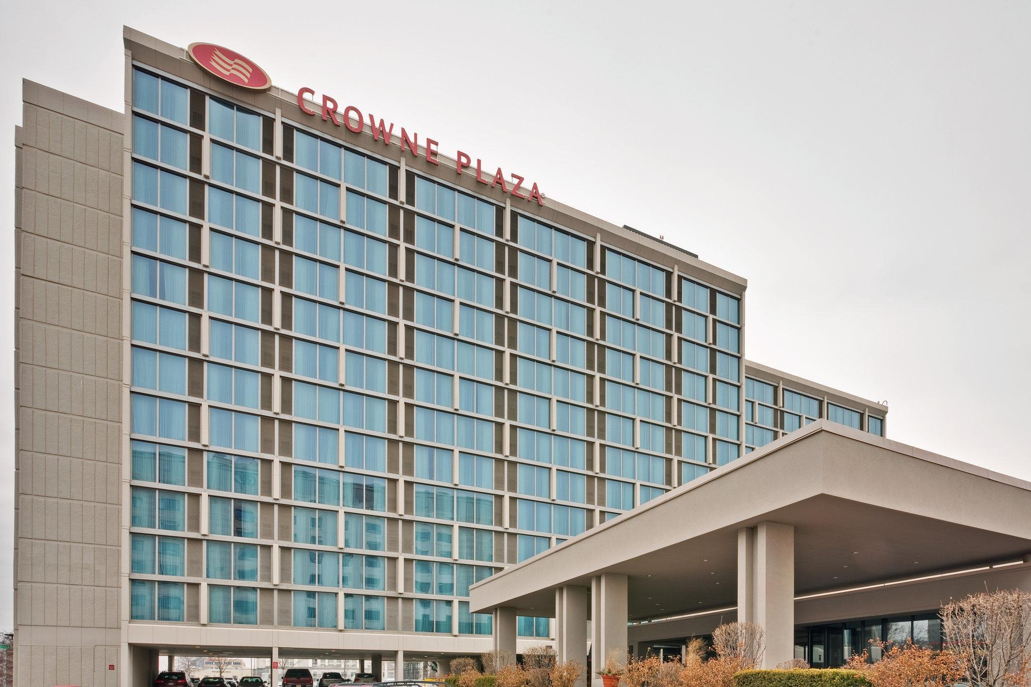 Crowne Plaza Chicago O'Hare Hotel And Conference Center