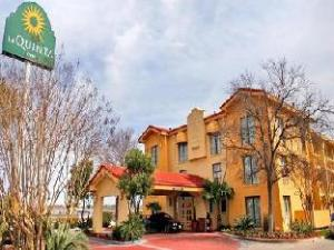 Laquinta San Antonio Sea World Hotel