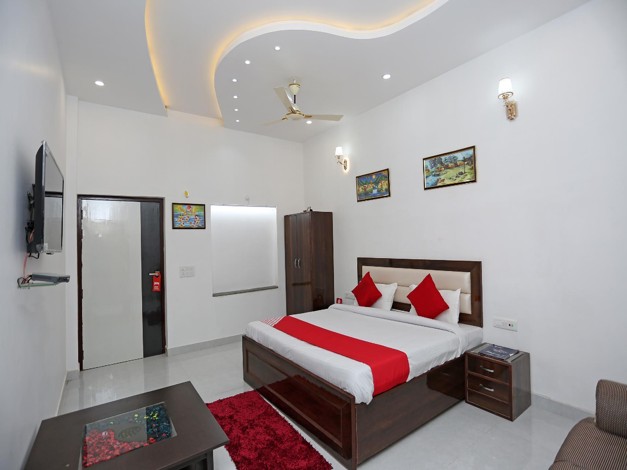 OYO 26628 Hotel Rest Palace