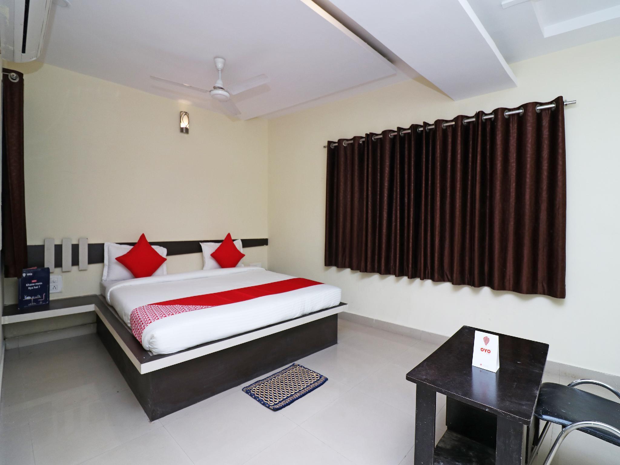 OYO 19770 Hotel Yatrik Inn