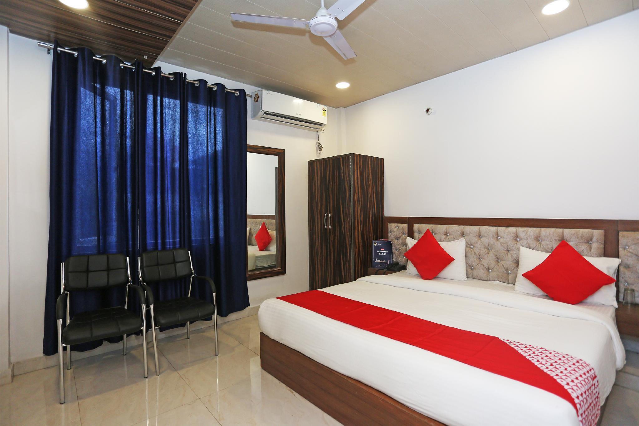 Capital O 15566 Hotel Rosewood Inn