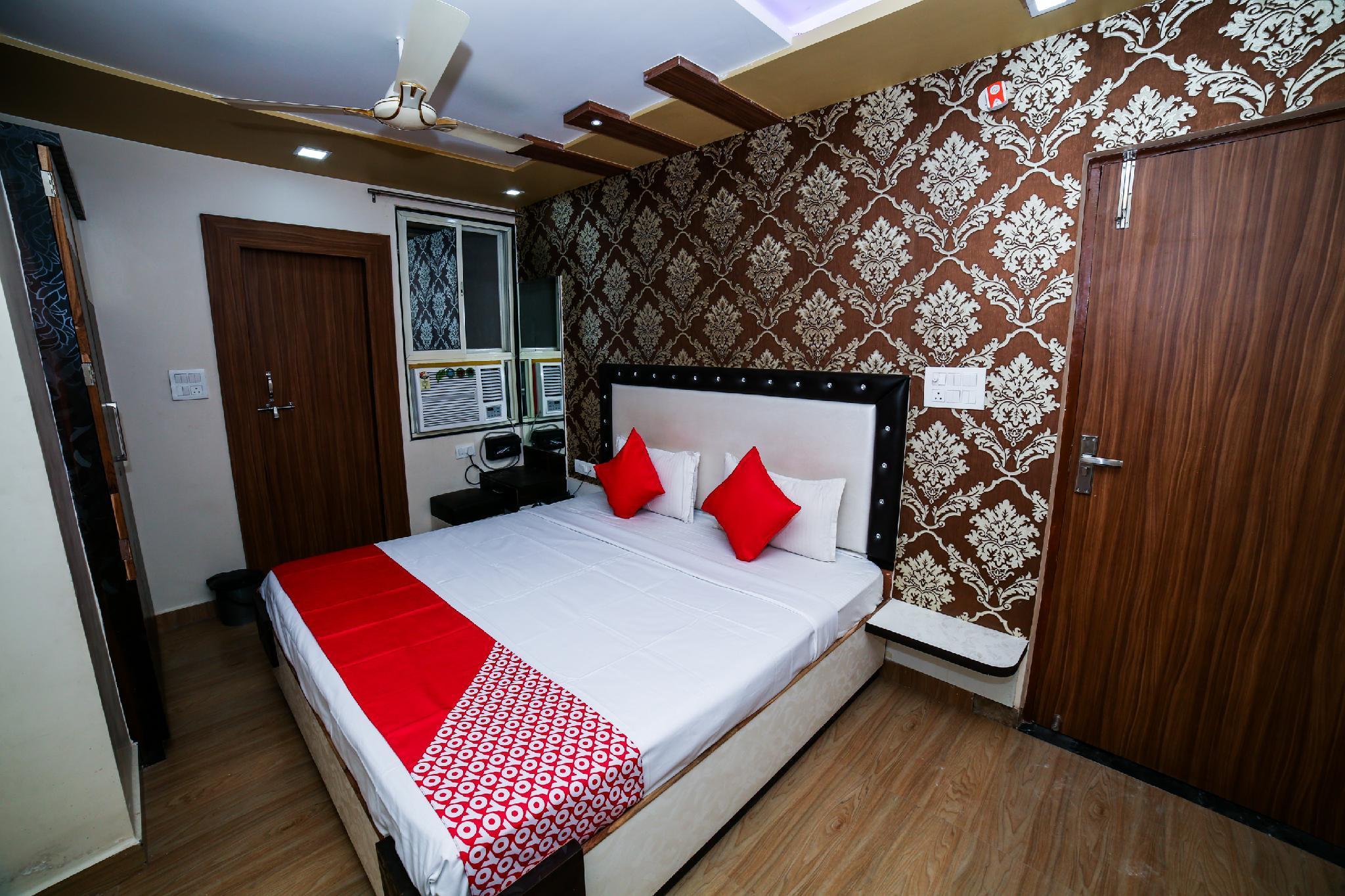 OYO 18651 Hotel Sharda