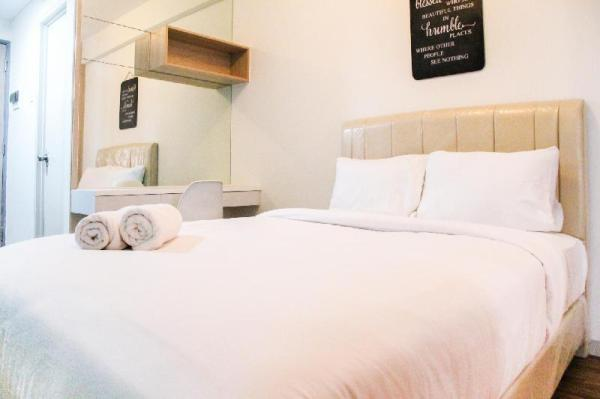 Elegant Studio Room Akasa Apartment By Travelio Tangerang