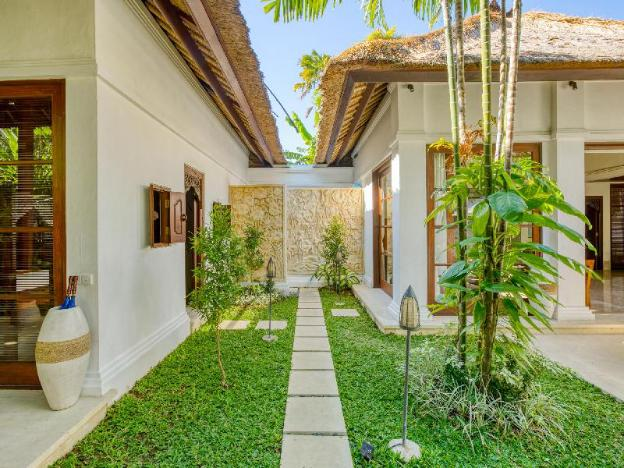 Villa Senada by Nakula