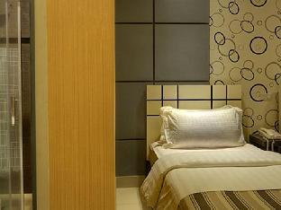 picture 4 of Eloisa Royal Suites