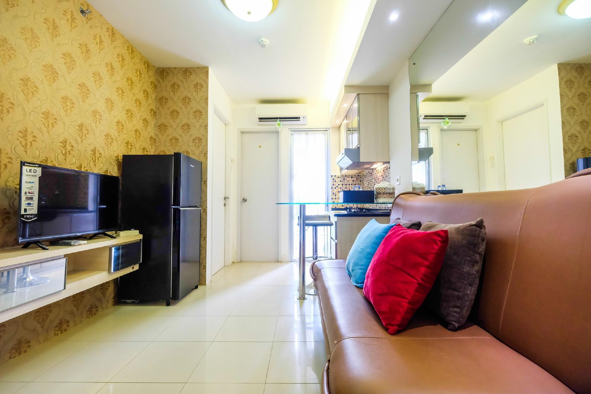 2BR Bassura City Apt Connect To Pool By Travelio