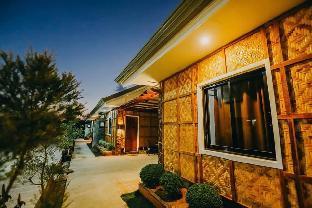 picture 1 of Queen's Suite Resort