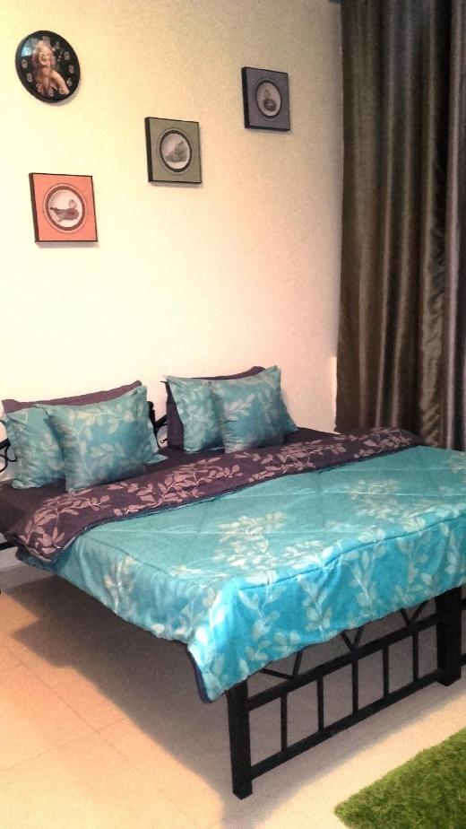 Homestay Master Bedroom on the Sea Side