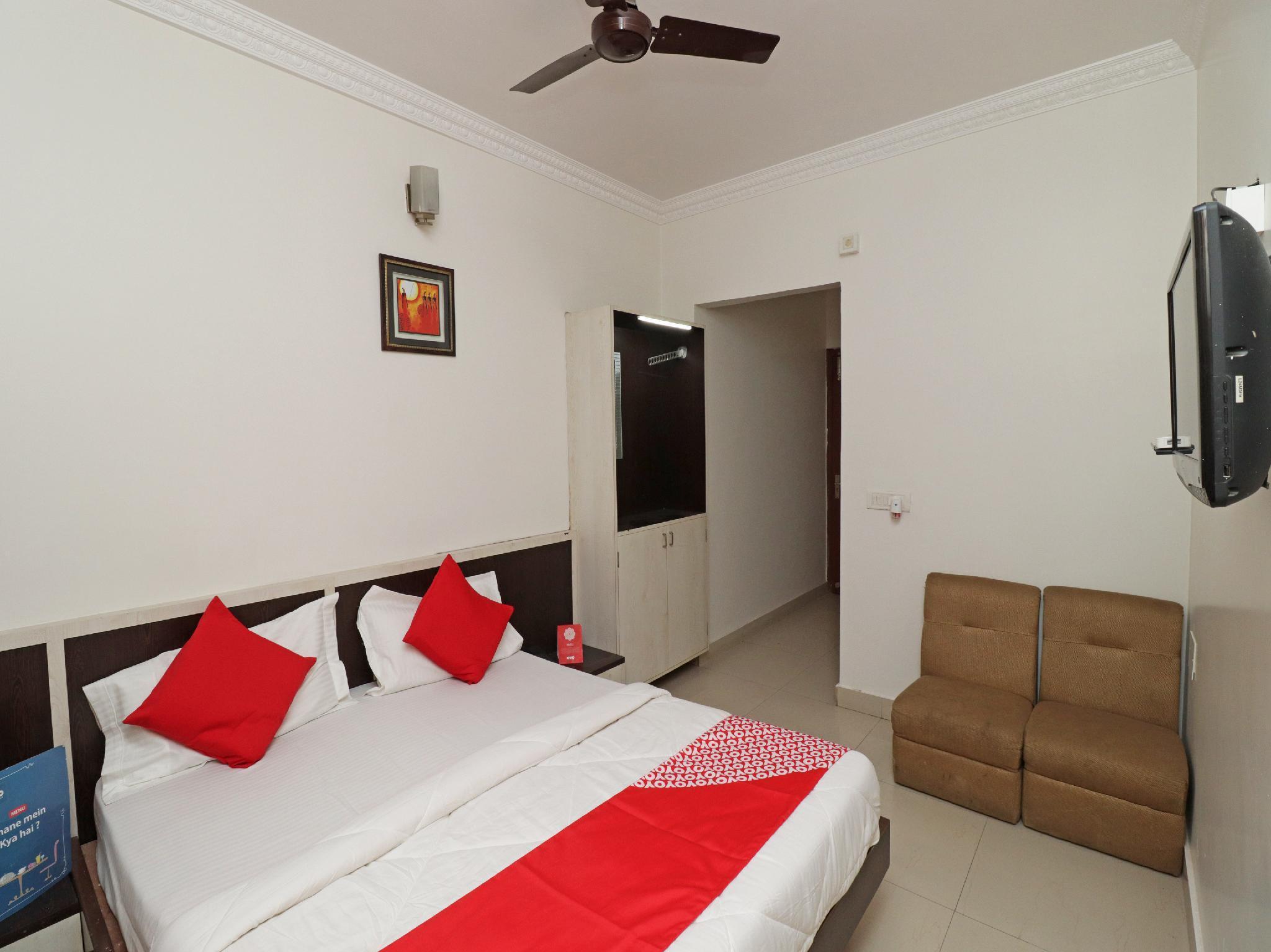 OYO 28063 Hotel Bombay Jewel Palace