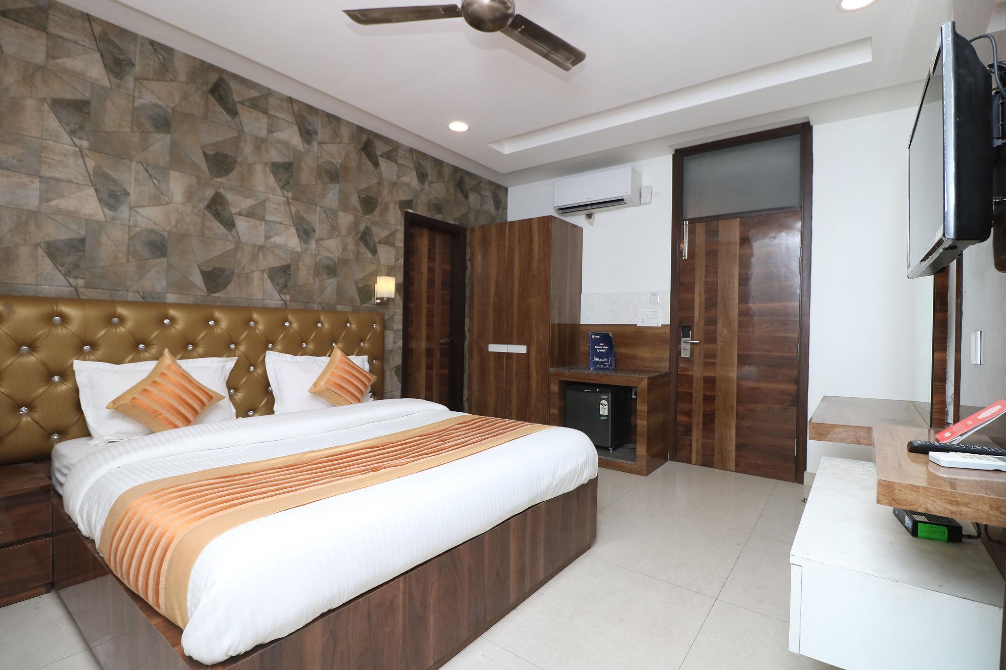 OYO 9999 City Max Hotel