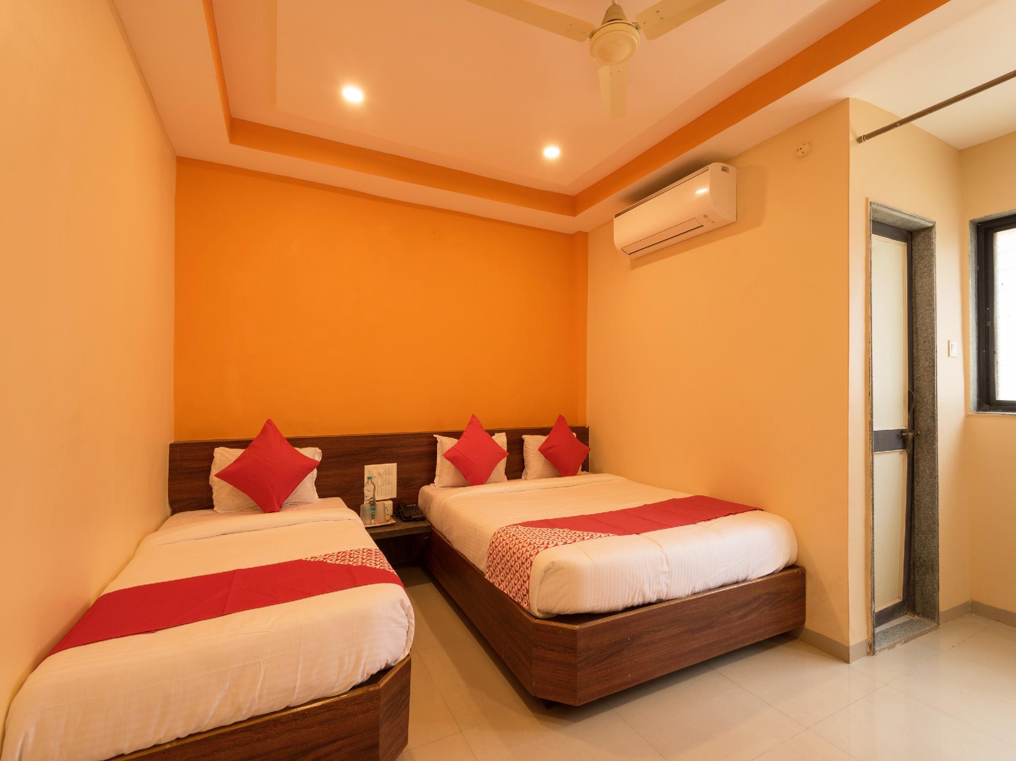 OYO 18489 Hotel Sai Parth