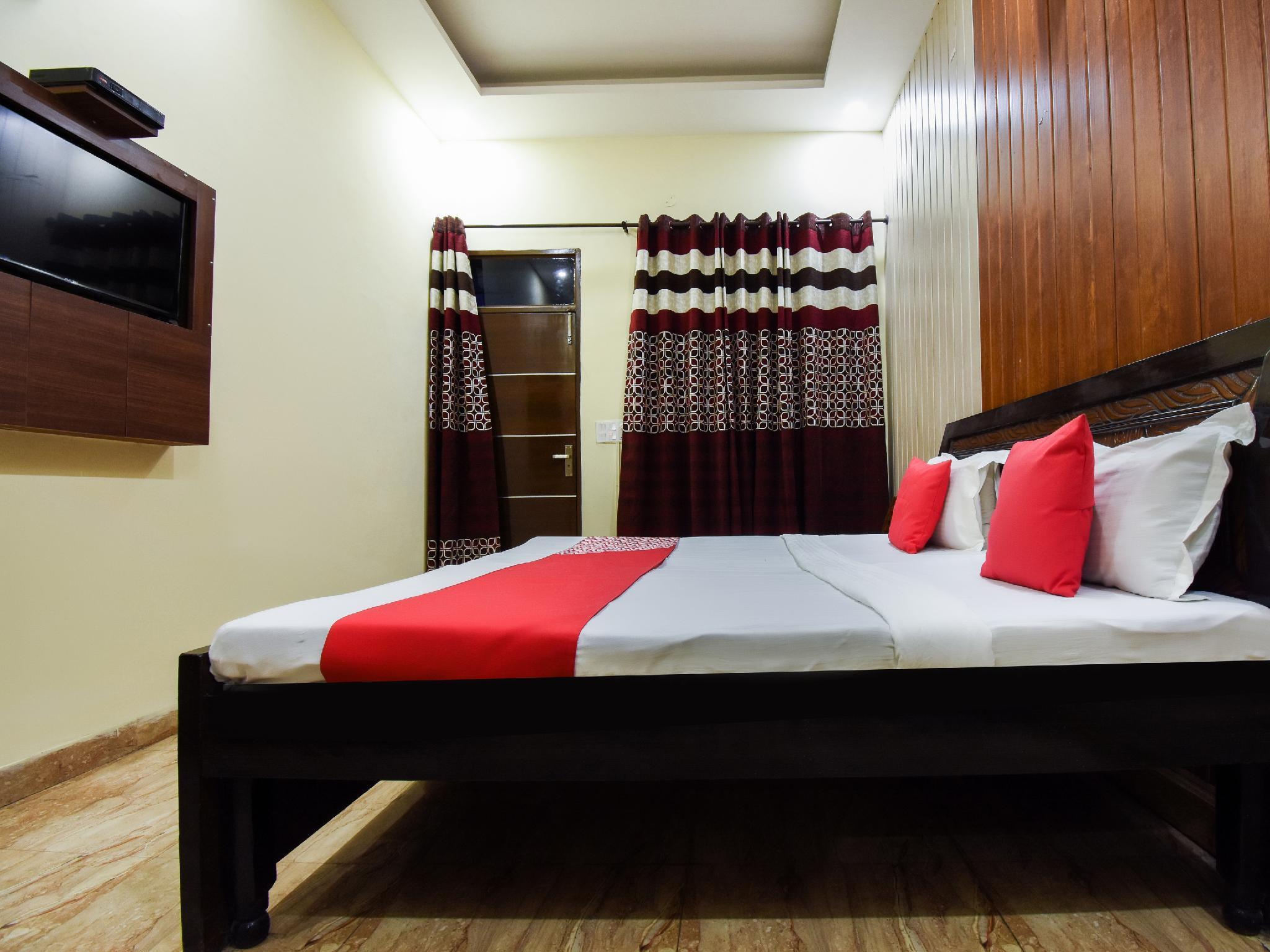 OYO 4548 Hotel Tom Stay