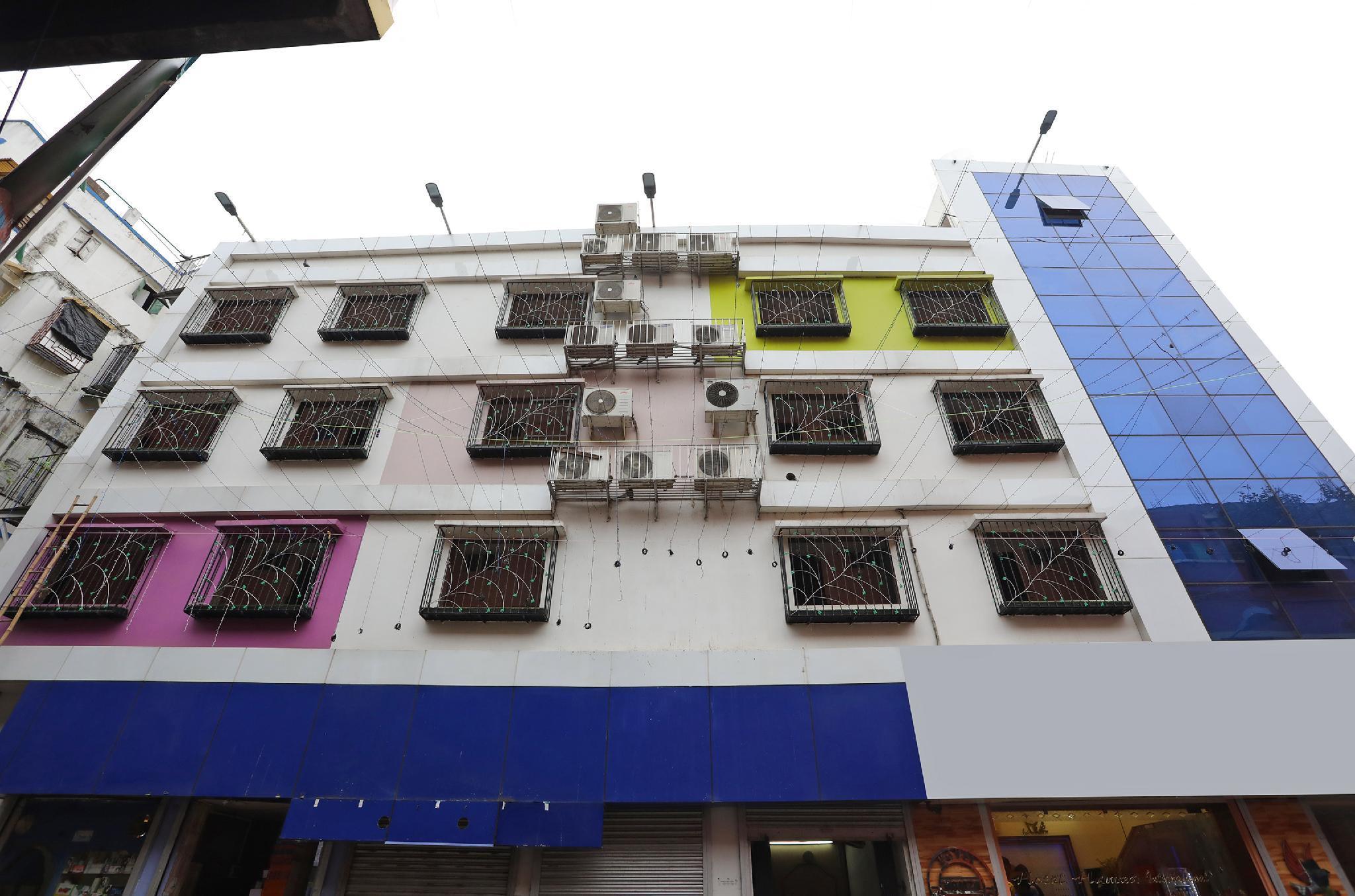 OYO 7741 Hotel Hamza International