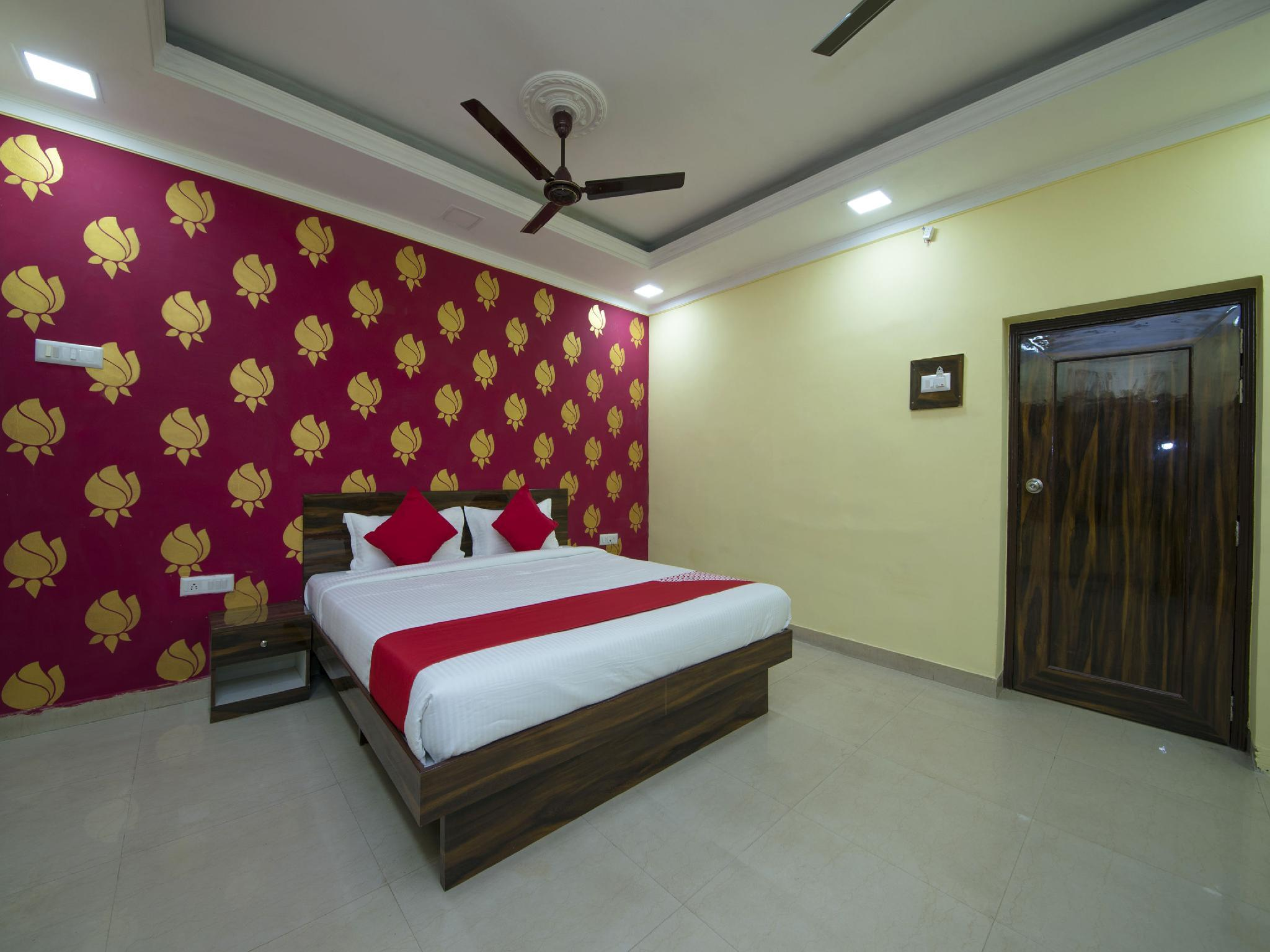 OYO 13481 Hotel Shalimar