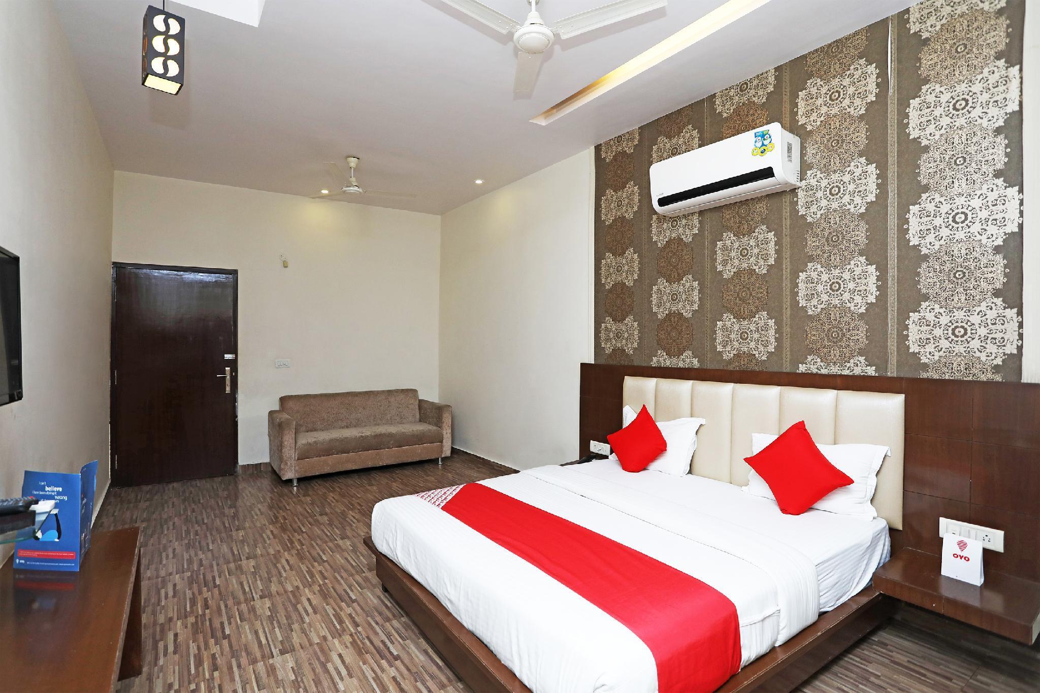 Capital O 2855 Hotel Sanskriti Greens