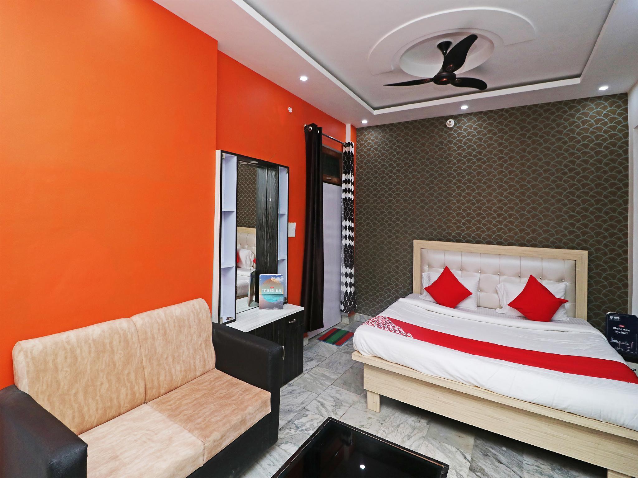 OYO 26668 Krishna Hotel