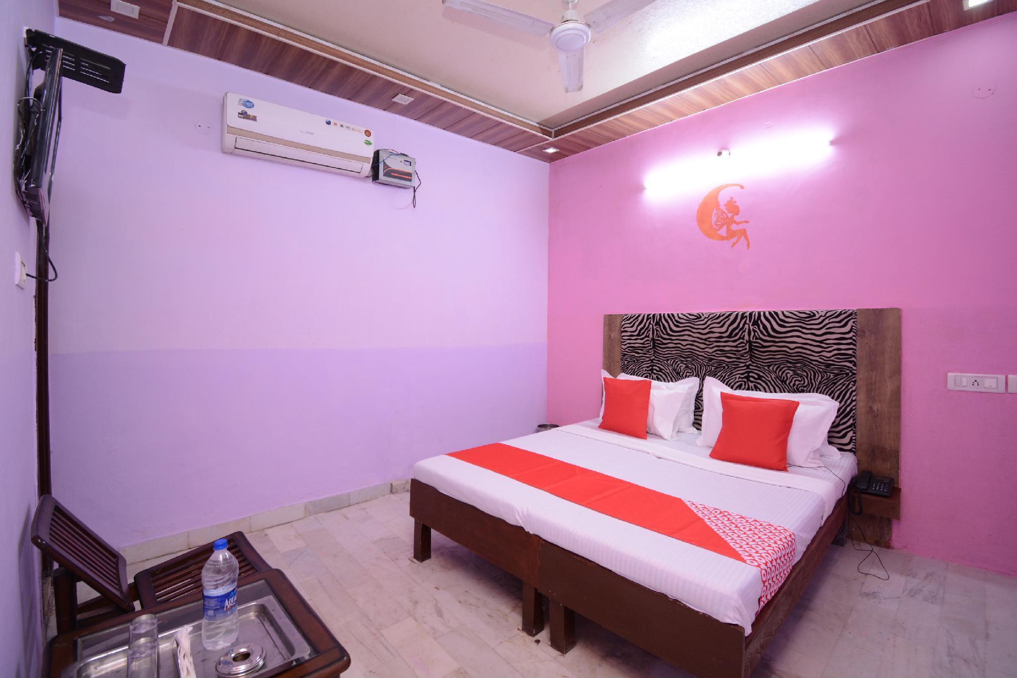 OYO 28847 Hotel Vansh 2