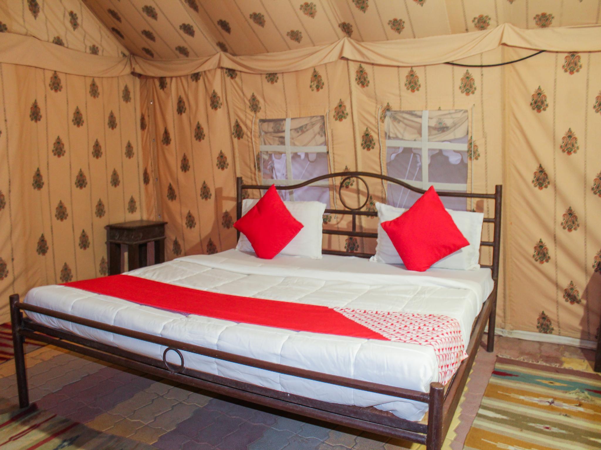 OYO 26228 Royal Camps