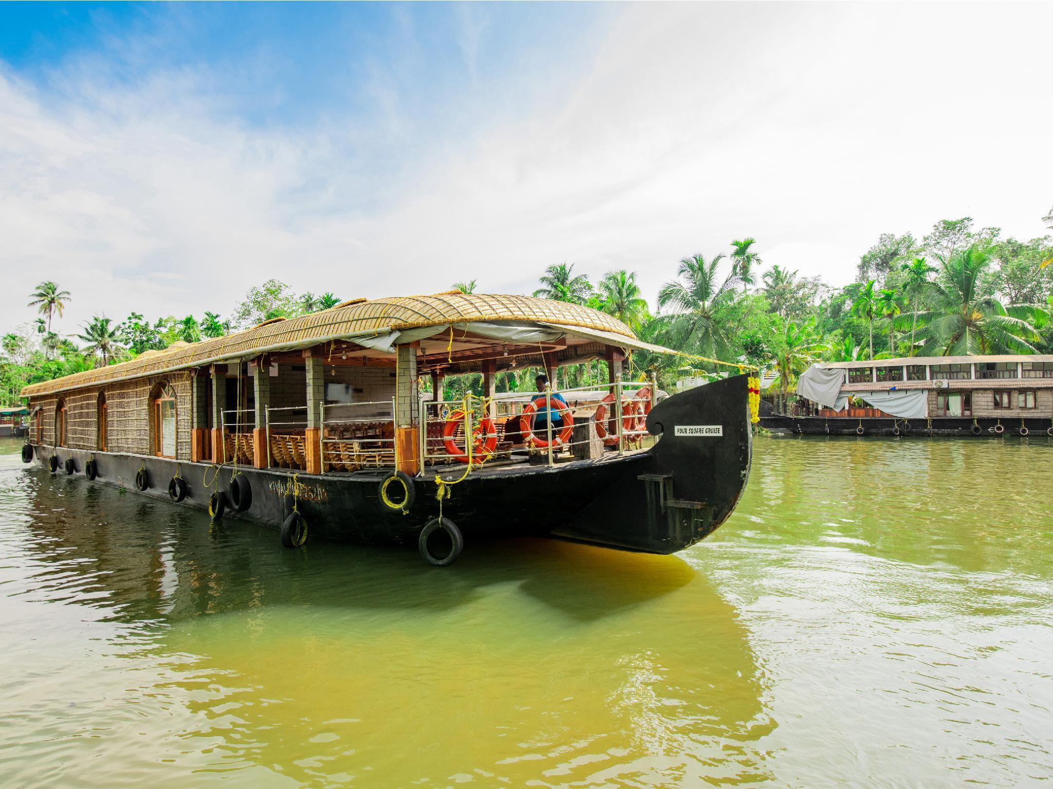 OYO 23104 Houseboat Indraprastham Four Square 4 Bhk