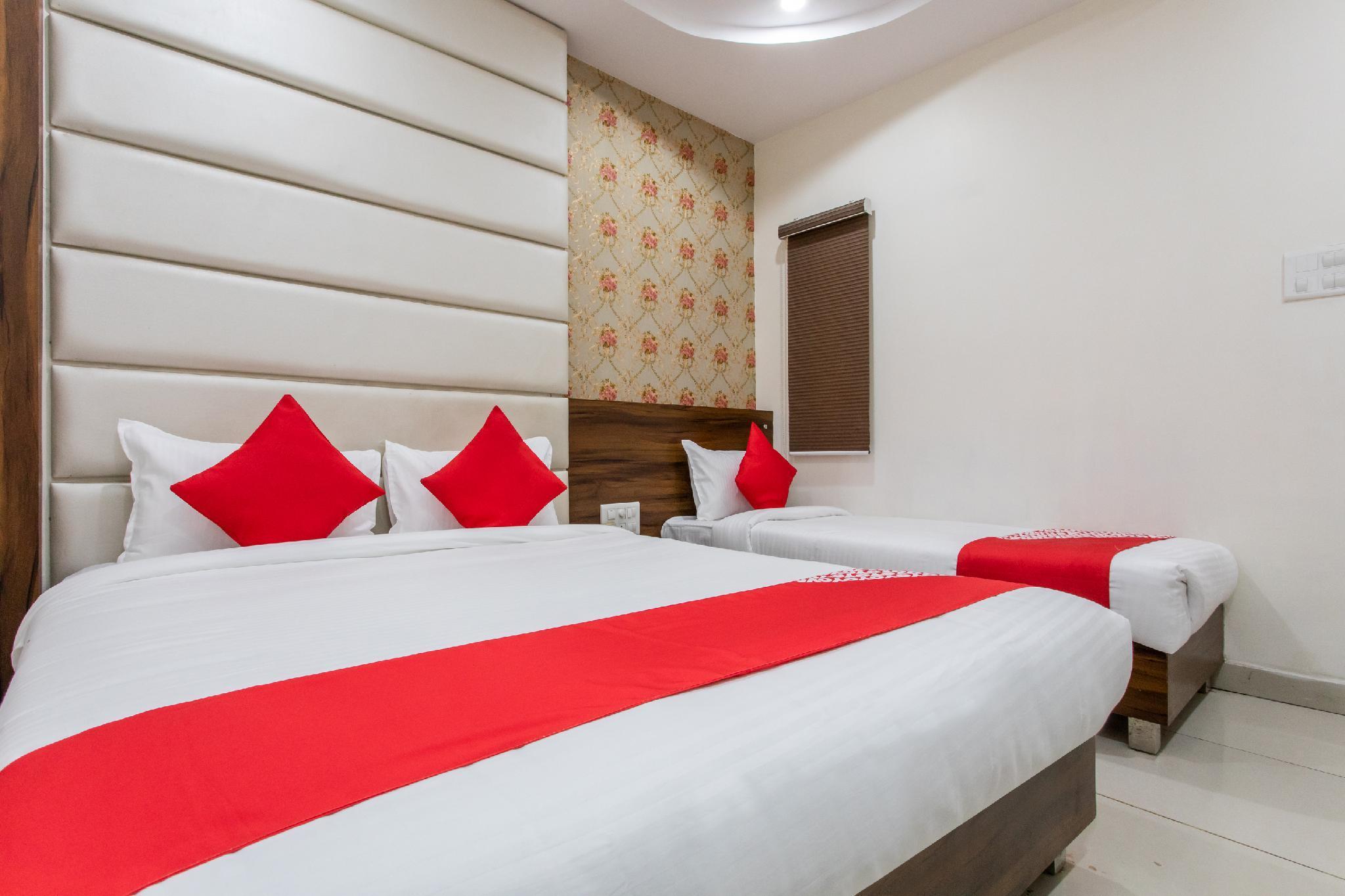 OYO 24144 Tathastu Hotel