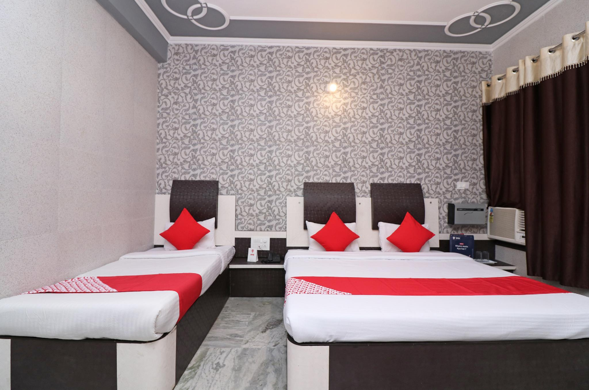OYO 12842 Hotel Sumit Lodge