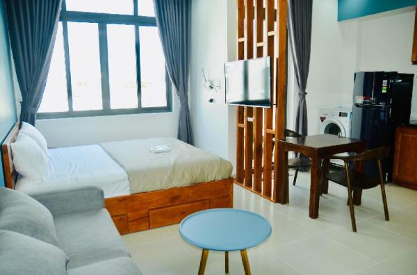 UncleAnh Apartments - King bed Studio Balcony 501 Ho Chi Minh City