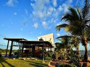 Golden Dragon Beach Resort